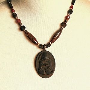 Chico's Choker | Mary Praying | Religious | Beaded